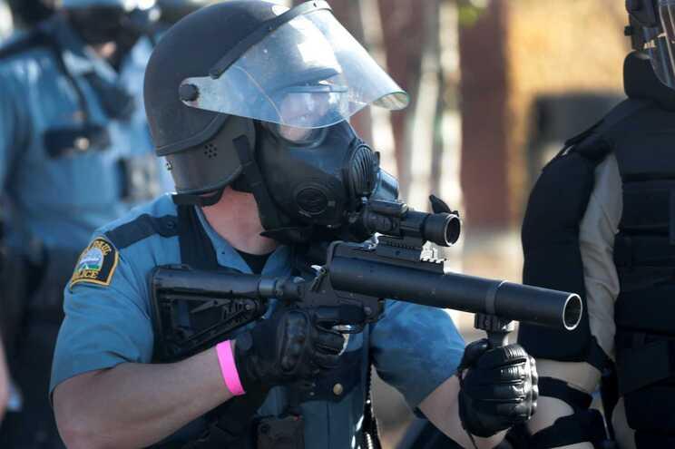 Terceiro dia de protestos violentos nas ruas