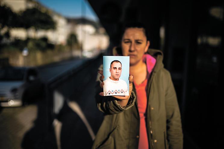 Dora Ferreira, irmã de homem desaparecido há sete anos, já correu bairros e morgues de Lisboa