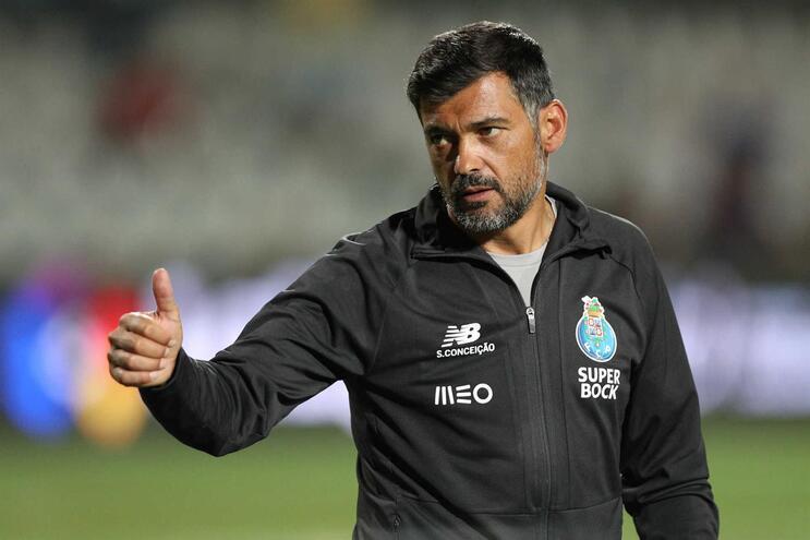 Sérgio Conceição viaja mais tarde para o Porto - JN