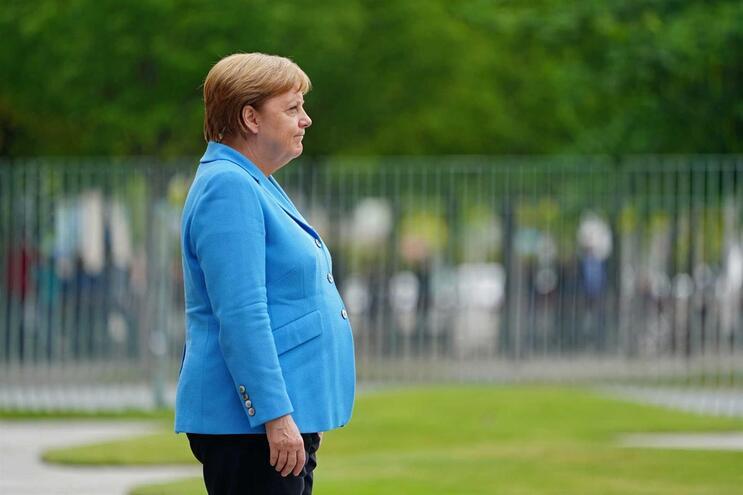 Merkel sofre terceira crise de tremores em menos de um mês