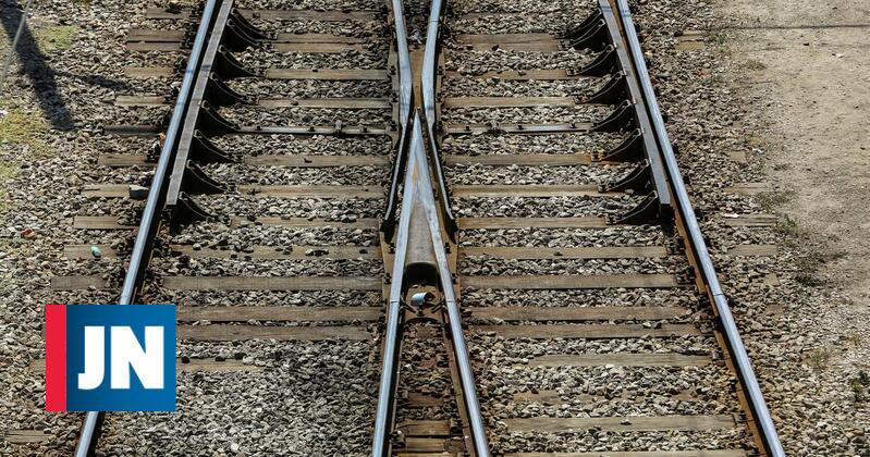 Atropelamento mortal corta Linha do Norte na zona de Espinho