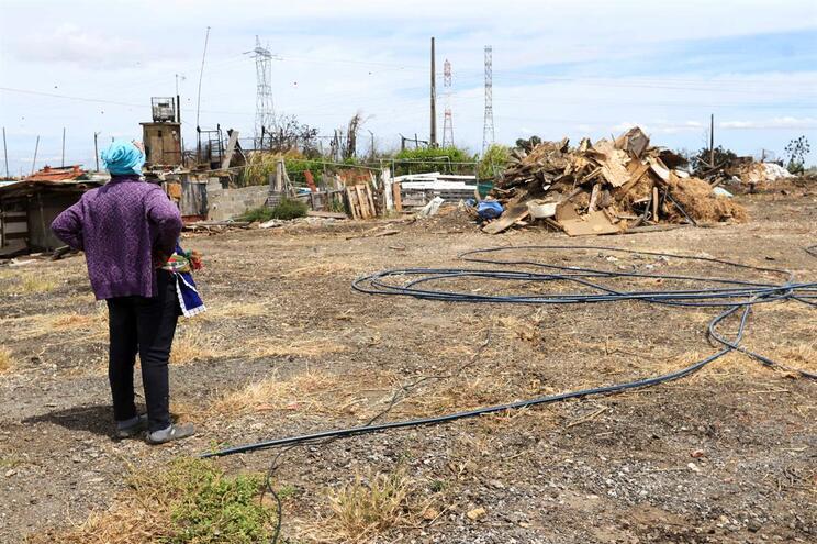 Famílias de Loures desalojadas após incêndio em paiol vão ter renda apoiada