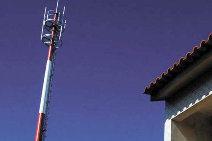 PS questionou autarquia sobre instalação de uma antena de telecomunicações junto à Escola D. Maria II