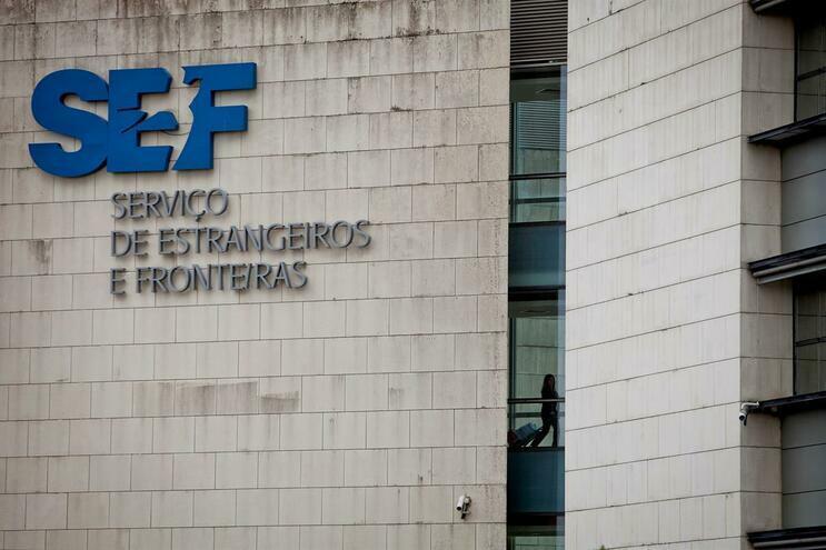 SEF detém no aeroporto de Lisboa estrangeira com documentos falsificados
