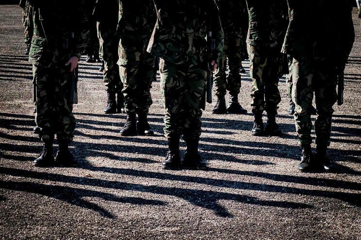 Militares avançam para o terreno devido ao calor em oito distritos