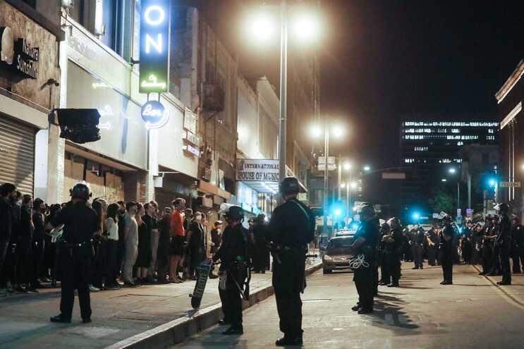 Protestos contra a violência policial continuam nos EUA