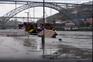 Rio Douro galgou margens no Porto e Gaia