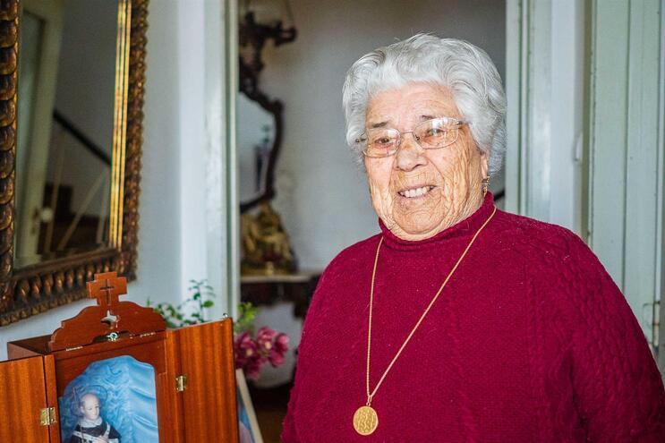 """Odete Sousa, 92 anos, Monserrate: """"Isto deixa-nos assustados"""""""