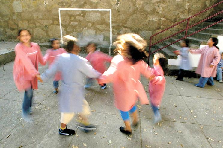 Prolongado prazo para matrículas do pré-escolar e 1.º ano