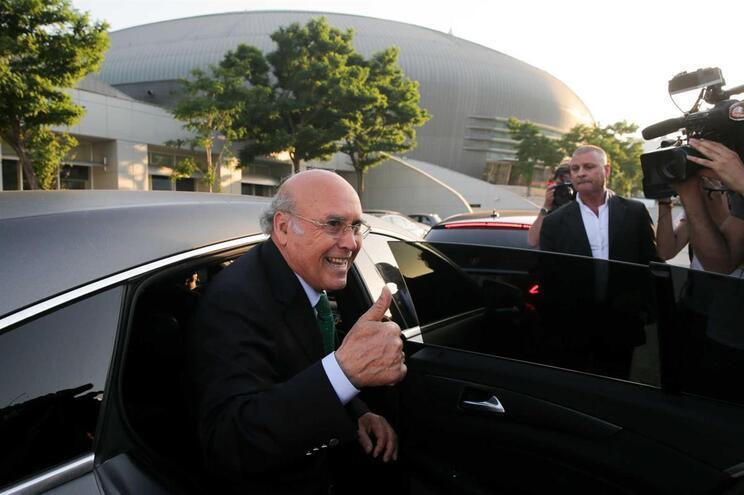 Sousa Cintra, à saída da assembleia geral de destituição dos órgãos sociais do Sporting, convocada pela
