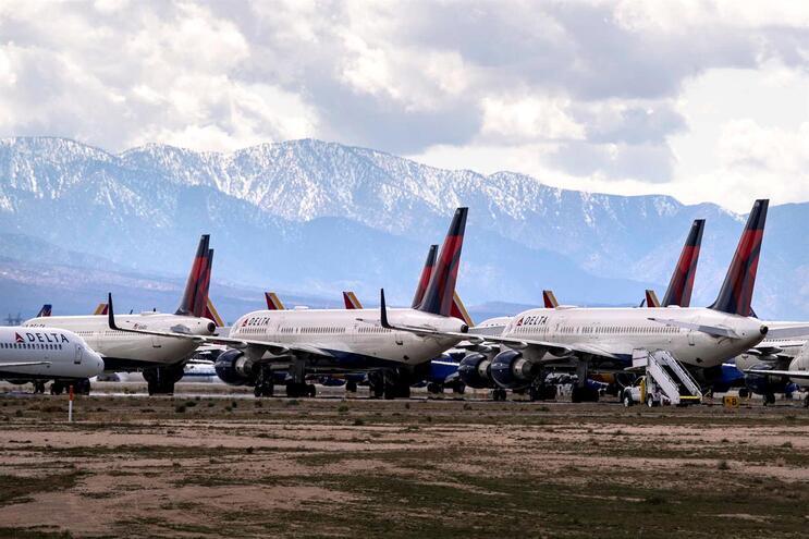 Aviões parados na Califórnia, nos Estados Unidos da América