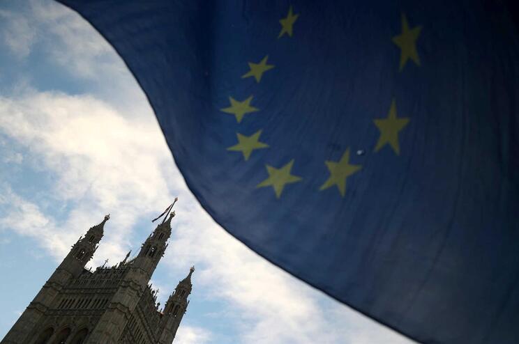 Bandeira da UE no Palácio de Westminster