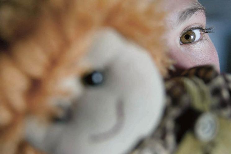 Mais de cem crianças abusadas, incluindo bebé de 15 meses, e 50 salvas desta rede de pedofilia