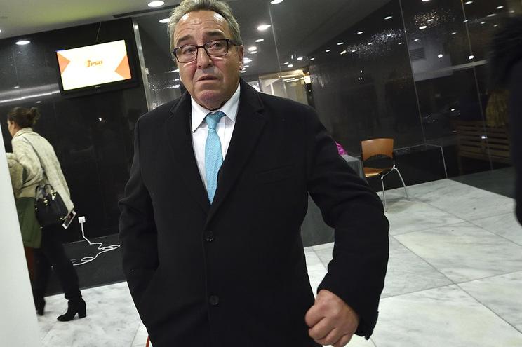 """Aprovado, por unanimidade, um voto de """"confiança política"""" ao presidente da distrital, Pedro Pinto"""
