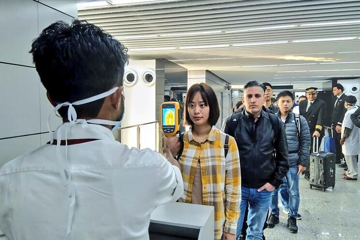 Hong Kong deteta primeiro caso suspeito de infeção pelo coronavírus
