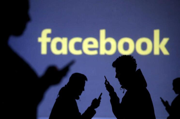 Facebook está a atualizar termos de utilização e política de dados