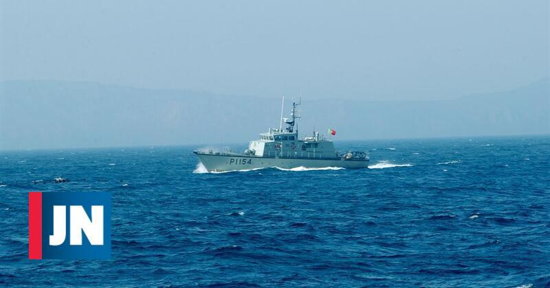 Lancha da Marinha já está com tripulantes de navio desaparecido na Madeira