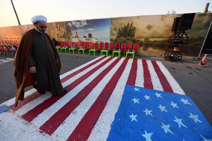 Embaixada dos EUA pede aos norte-americanos que abandonem Iraque imediatamente
