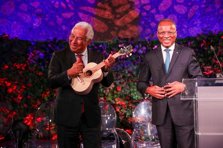 O primeiro-ministro, António Costa, recebe do seu homólogo de Cabo Verde, José Ulisses Correia Silva
