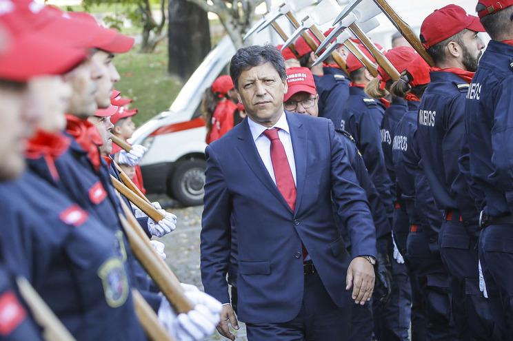Secretário de Estado da Proteção Civil foi constituído arguido