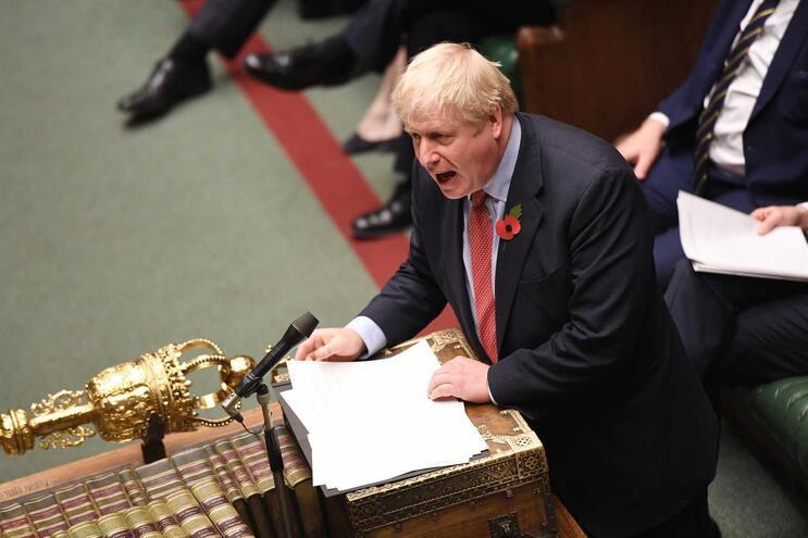 """Resultado de imagem para Reino Unido: Parlamento aprova realização de eleições a 12 de Dezembro"""""""