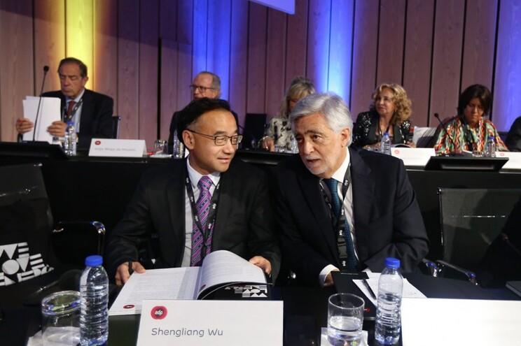 OPA chinesa à EDP está morta. Acionistas ditam extinção da operação