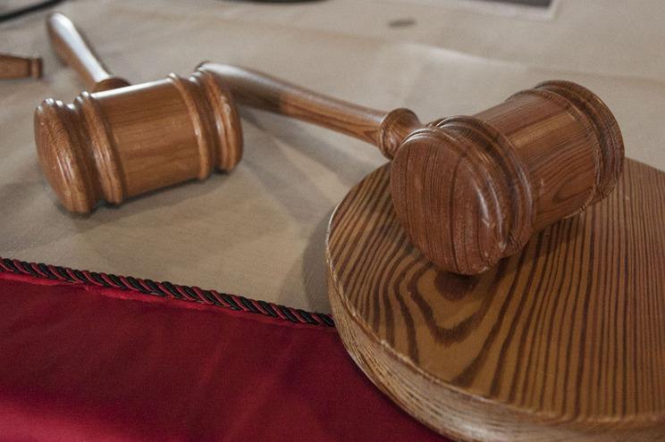 Ministério Público quer banir adepto que atirou garrafa a árbitro