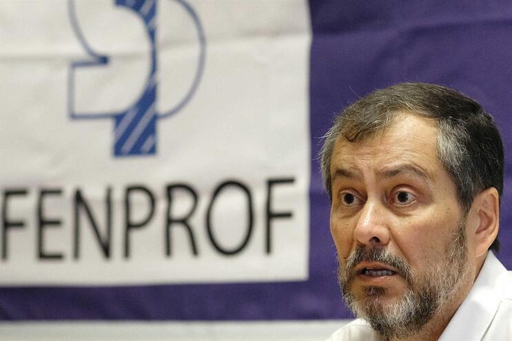 Fenprof pede investigação à morte de três professores em trabalho