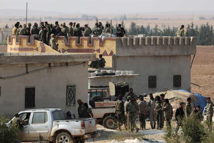 Turquia lançou a 9 de outubro uma ofensiva no norte da Síria