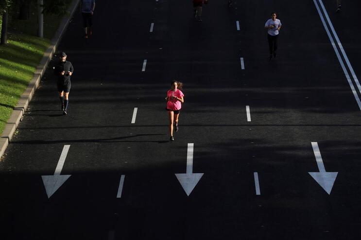 Espanhóis já podem sair de casa para fazer exercício físico