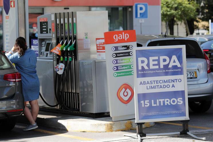 Volume de combustíveis na rede de emergência está entre 35 e 45%