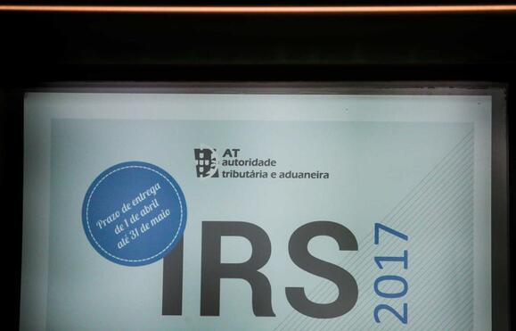 Resultado de imagem para Reembolsos de IRS chegam para a semana e para muitos são maiores