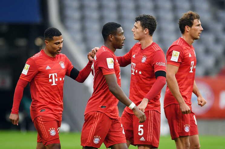 Bayern Munique goleia Eintracht Frankfurt e mantém a liderança