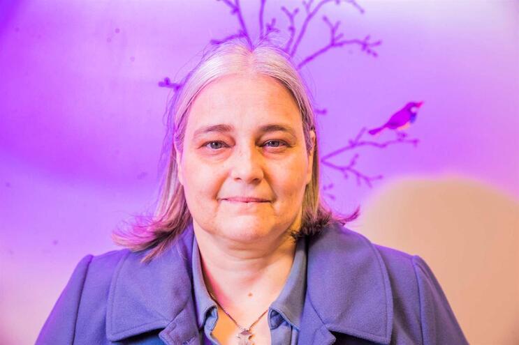 Médica portuguesa eleita presidente de organização mundial de cancro de mama