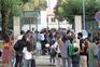 Na Básica do Bom Sucesso, no Porto, pais e alunos não conseguiram respeitar as distâncias de segurança