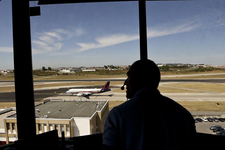 Avião seguia para Bogotá com 219 passageiros a bordo