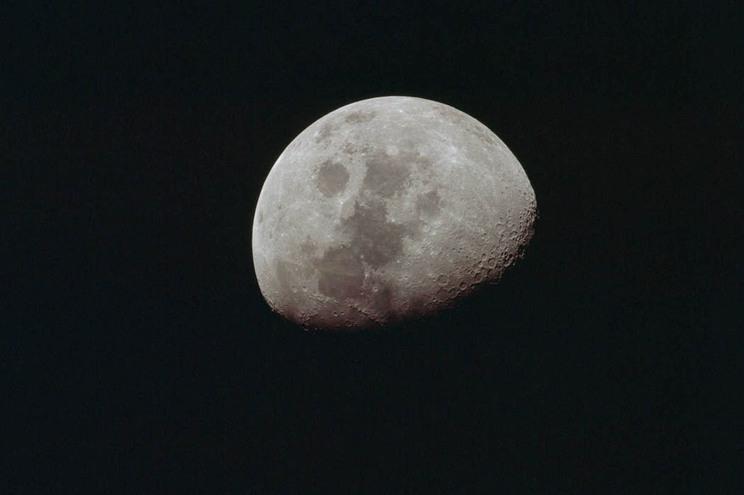 NASA vai mandar a primeira mulher à Lua em 2024