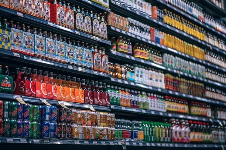 Bebidas com mais açúcar vão pagar mais imposto