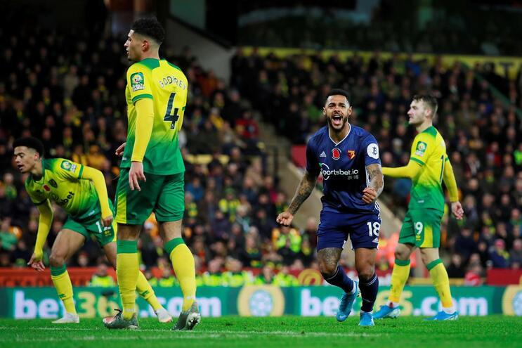 Watford vence pela primeira vez e entrega último lugar ao Norwich