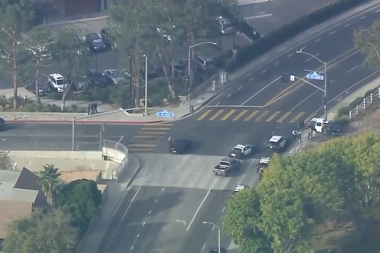 Em direto: Feridos em tiroteio numa escola da Califórnia