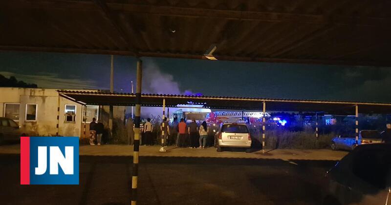 Incêndio destrói vários camiões na Trofa