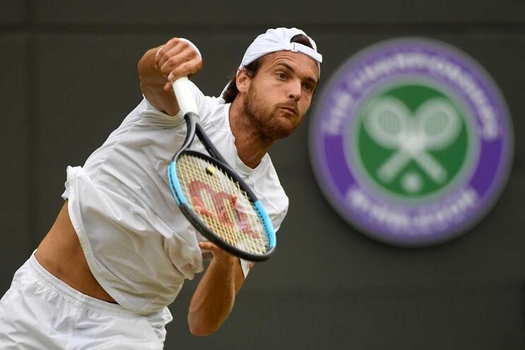 João Sousa faz história e está nos oitavos de Wimbledon