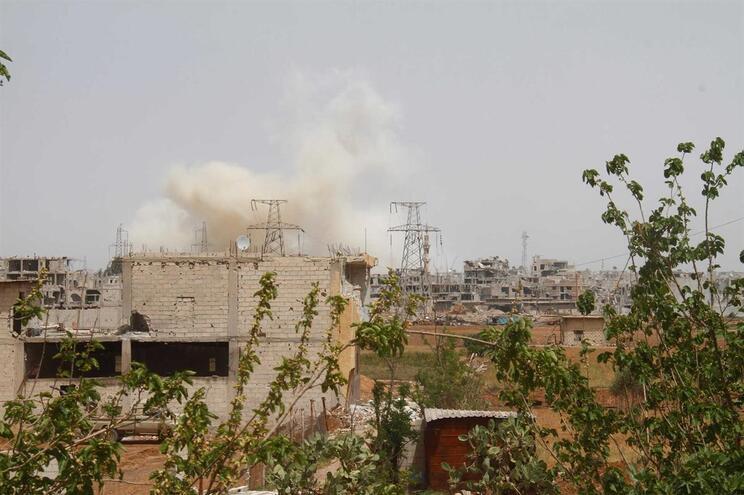 Exército sírio anuncia interceção de dois mísseis israelitas