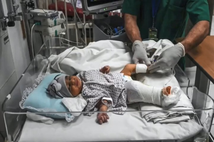 Os médicos conseguiram salvar a perna da menina