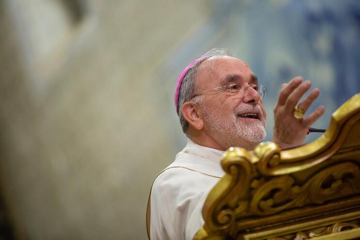 Sinos de igrejas de Viana vão tocar por D. Anacleto Oliveira