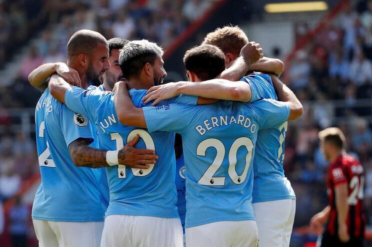 Manchester City vence em Bournemouth e sobe ao segundo lugar
