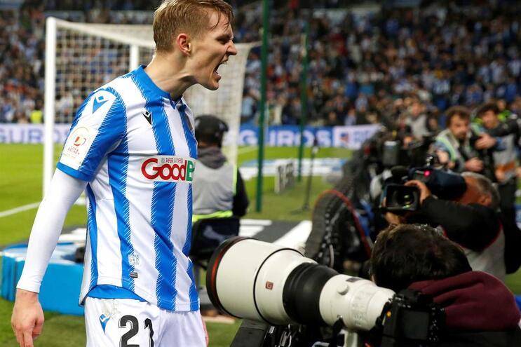 Martin Odegaard celebra o golo da vitória da Real Sociedad