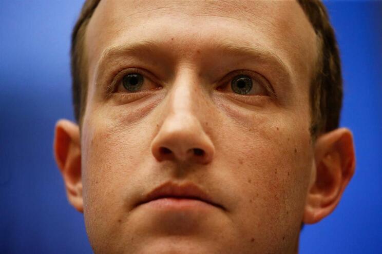 Mark Zuckerberg vai a Bruxelas responder ao Parlamento Europeu