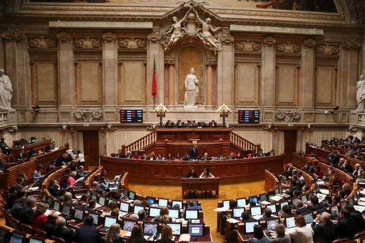 Parlamento vota propostas do OE2019
