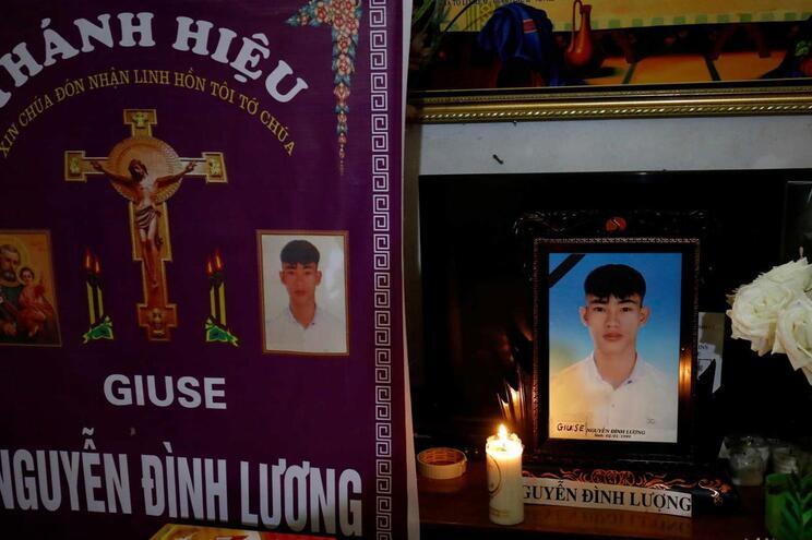 Funeral de Nguyen Dinh Luong, uma das 39 vítimas encontradas sem vida no camião, no Reino Unido